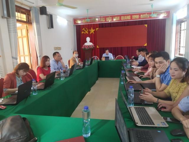 Sáng ngày 05/3/2021 Văn phòng HĐND - UBND huyện Mường Chà mở lớp tập huấn chuyển giao công nghệ trang thông tin điện tử cho các công chức của 3 xã Nậm Nèn, Pa Ham, Huổi Mí.